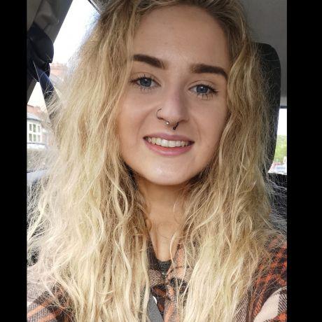 Profile pic Zoe Stuart