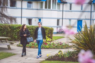 The Courtyard Accommodation is on campus near library, eateries & along the waterfront.