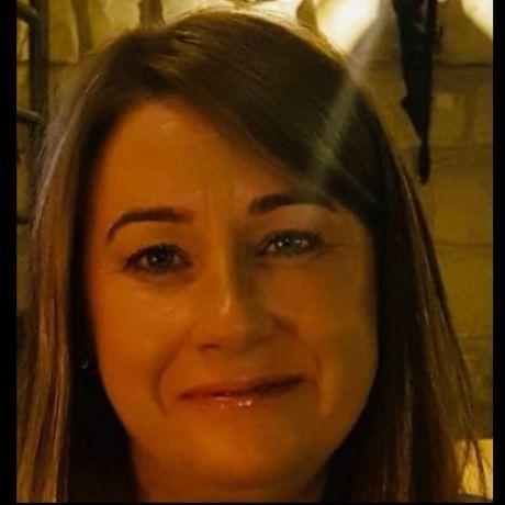 Profile pic Nicola Shields