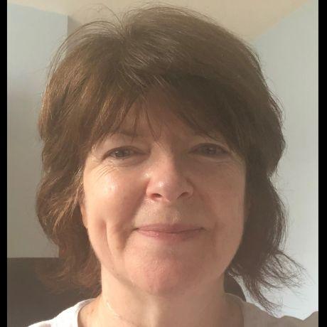 Profile pic Professor Heather Farley