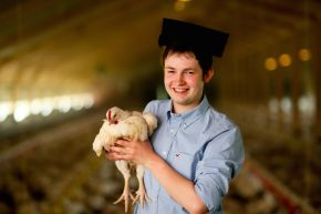 Ulster University graduate develops pioneering animal feed system