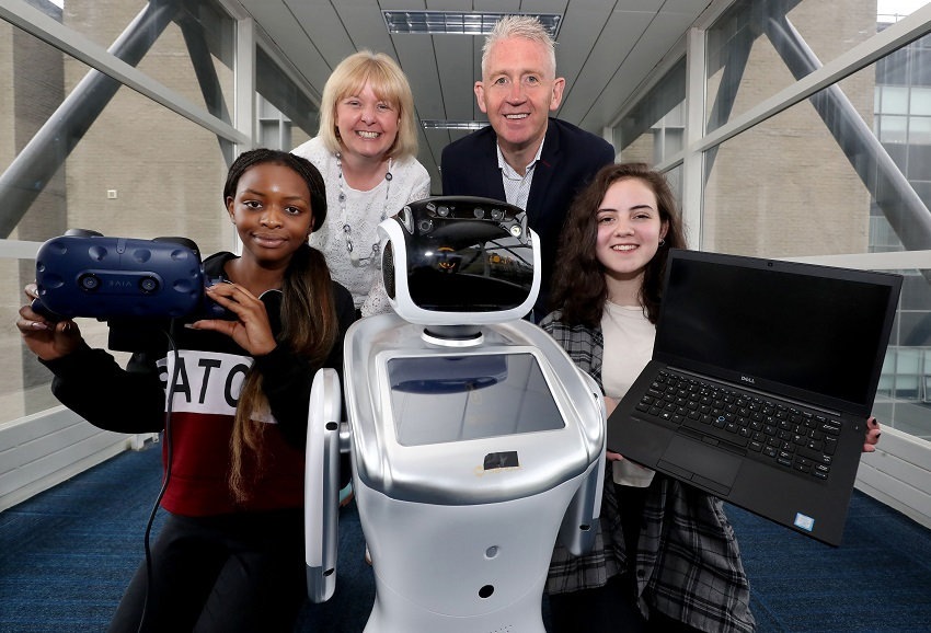 50 school pupils to boost IT career changes in world-class environment