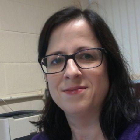 Profile pic Dr Julie McClelland