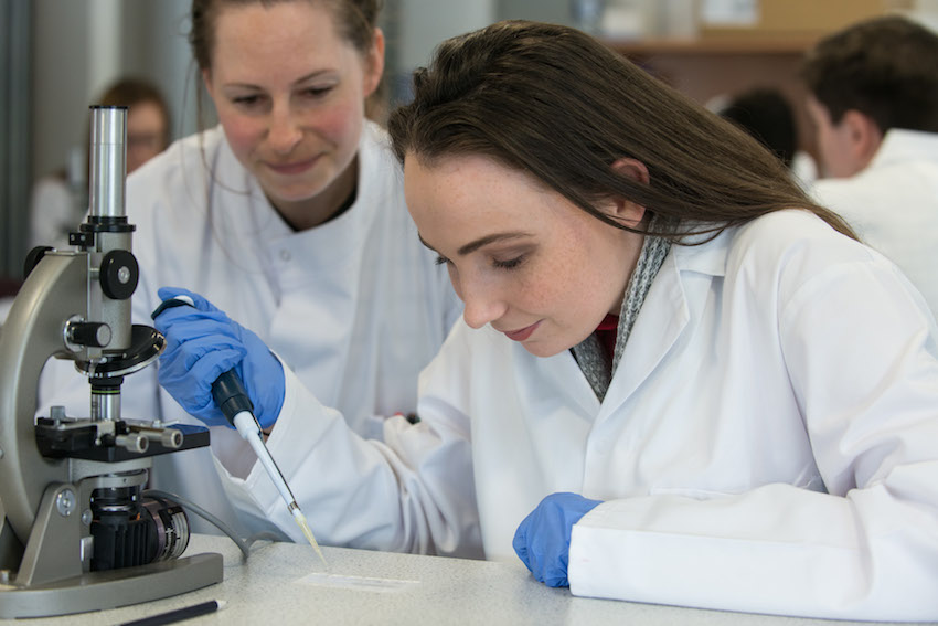 Ulster University inspiring next generation of scientists at stratified medicine centre