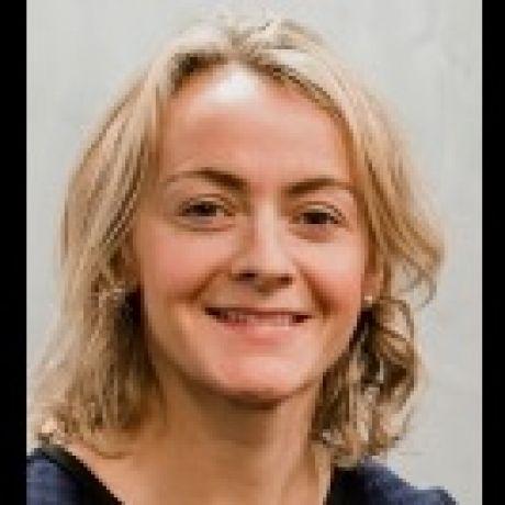 Profile pic Dr Carla McCabe