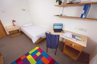 Standard bedroom in Maple 4 & 5 bed flats