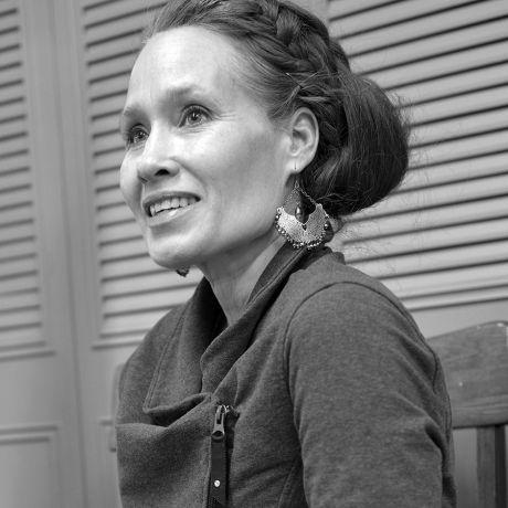 Profile pic Amy McCroy